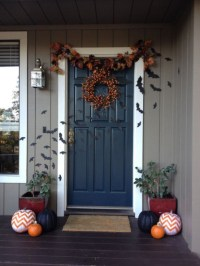 40 Cool Halloween Front Door Decor Ideas - DigsDigs