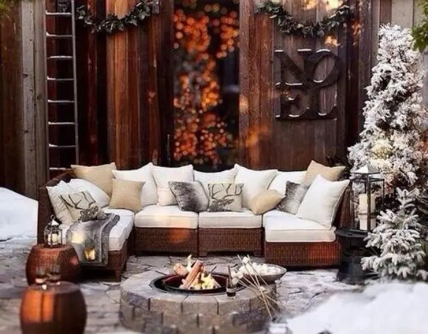24 Cozy And Beautiful Winter Terrace Dcor Ideas  DigsDigs
