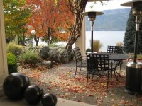 40 Cozy Fall Patio Decorating Ideas | DigsDigs