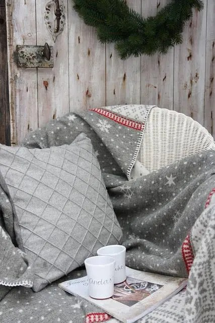 27 Cozy Red And Grey Christmas Dcor Ideas  DigsDigs