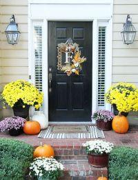 30 Cozy Thanksgiving Front Door Dcor Ideas | DigsDigs