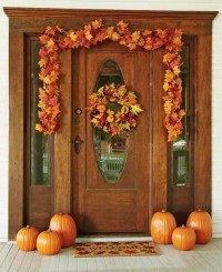 30 Cozy Thanksgiving Front Door Dcor Ideas - DigsDigs
