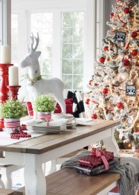 30 Cute Deer Dcor Ideas For Cozy Christmas Spaces - DigsDigs