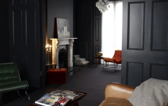 https://i0.wp.com/www.digsdigs.com/photos/dark-interior-1-554x352.jpg