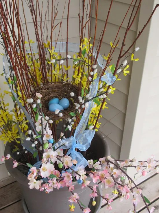 30 Cool Easter Porch Dcor Ideas DigsDigs