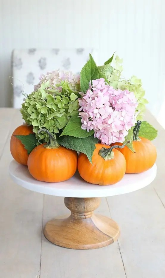 21 Fall Pumpkin Stands For Outdoor And Indoor Dcor  DigsDigs