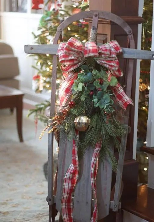 33 Creative And Fun Sleigh Dcor Ideas For Christmas
