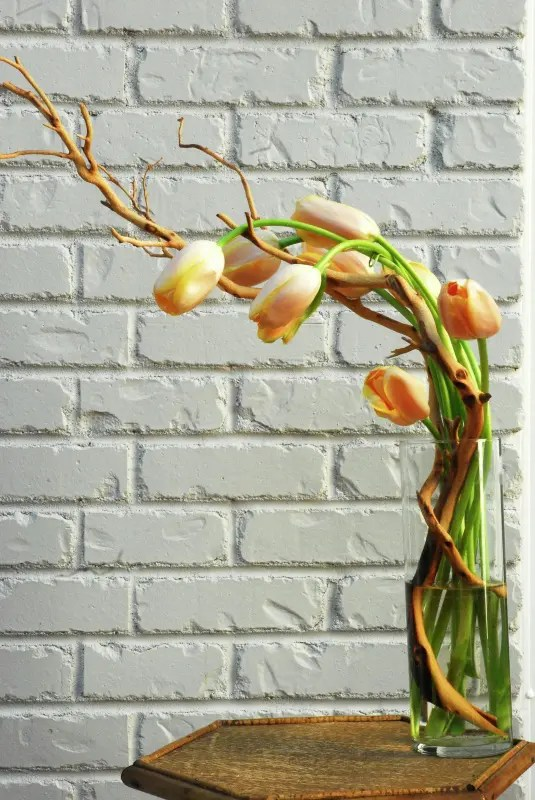 How To Incorporate Tulips Into Your Spring Dcor 49 Ideas
