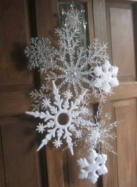 How To Use Snowflakes In Winter Dcor: 36 Ideas - DigsDigs