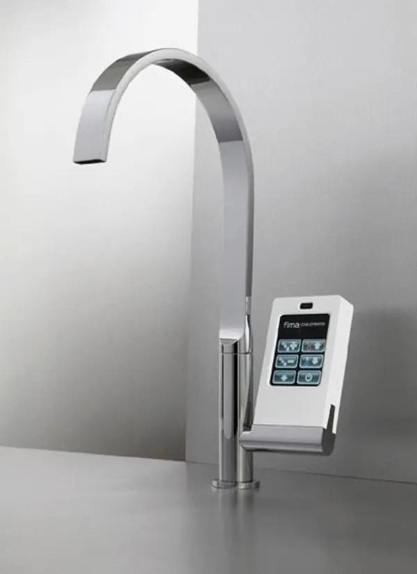 HiTech Kitchen Faucet With TouchScreen Controller  DigsDigs