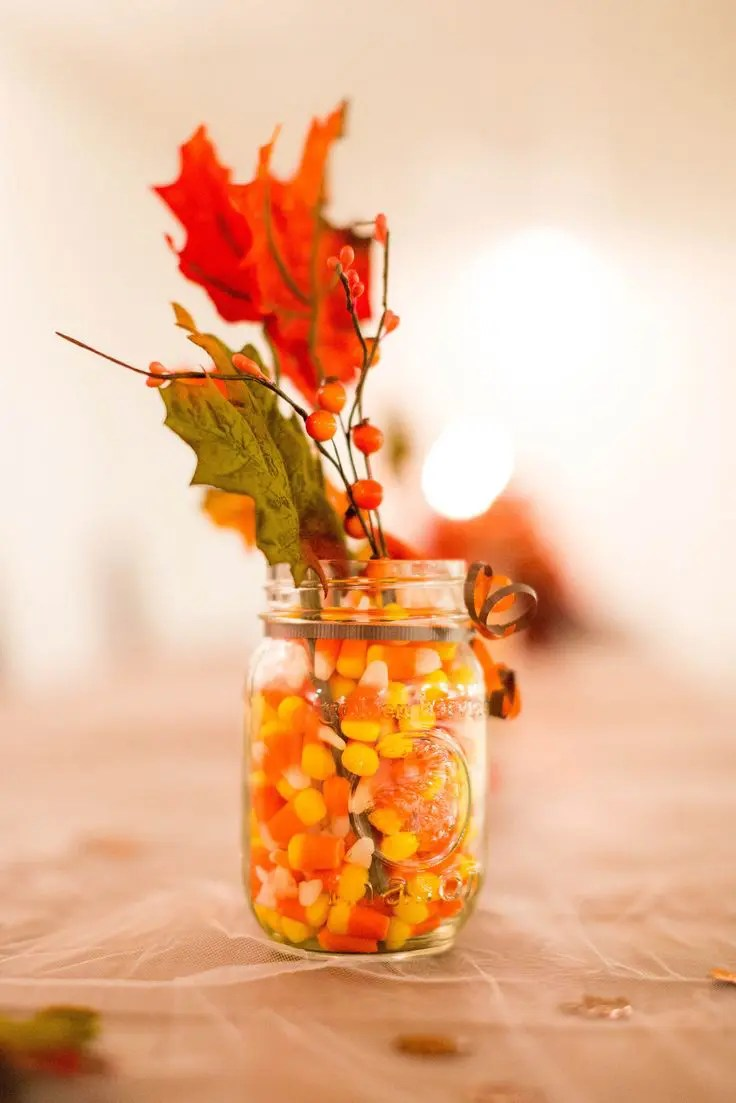18 Leaf Centerpieces For Fall And Thanksgiving Dcor  DigsDigs