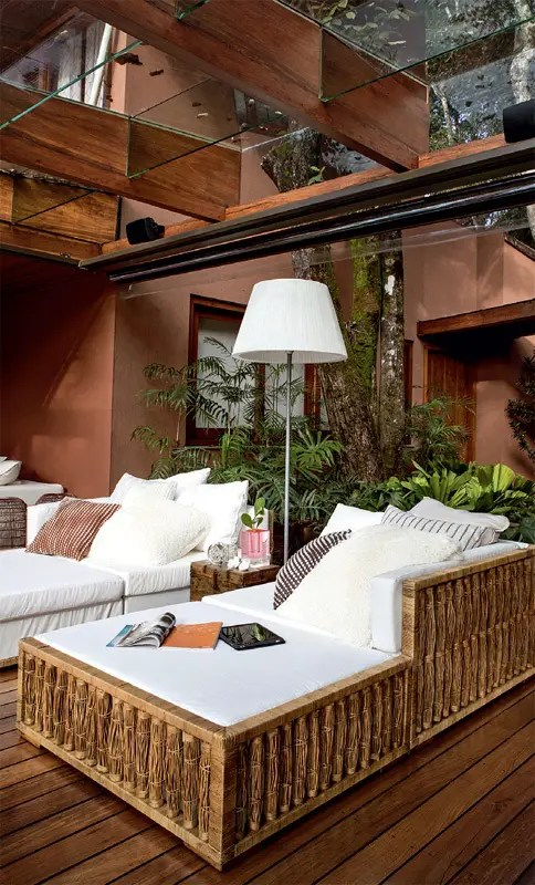 Luxurious Summer Veranda Design With Glass Walls And Ceiling DigsDigs