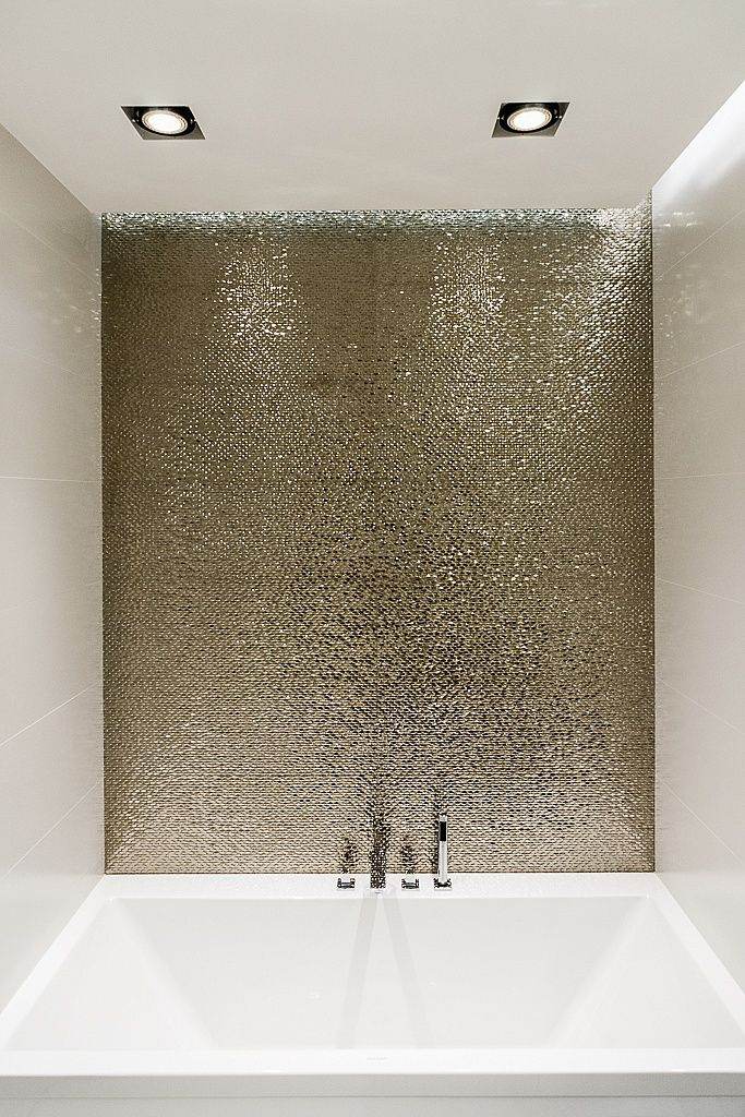 The Hottest Dcor Trend 27 Metallic Tile Dcor Ideas