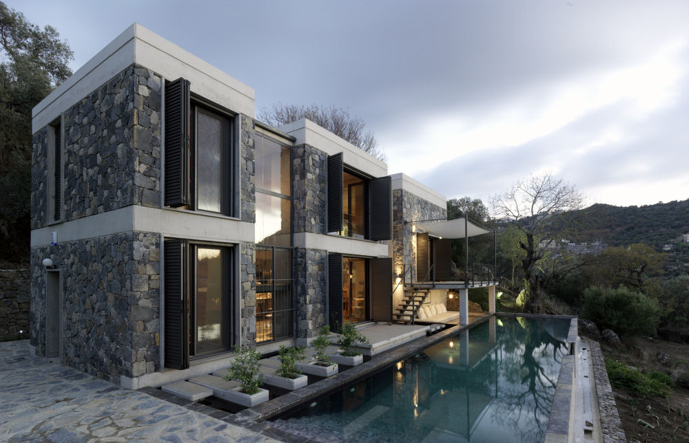 Modern But Traditional House Design  House   DigsDigs