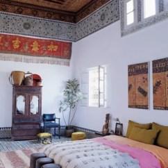 Arabian Nights Living Room With Cream Sofa 66 Mysterious Moroccan Bedroom Designs - Digsdigs