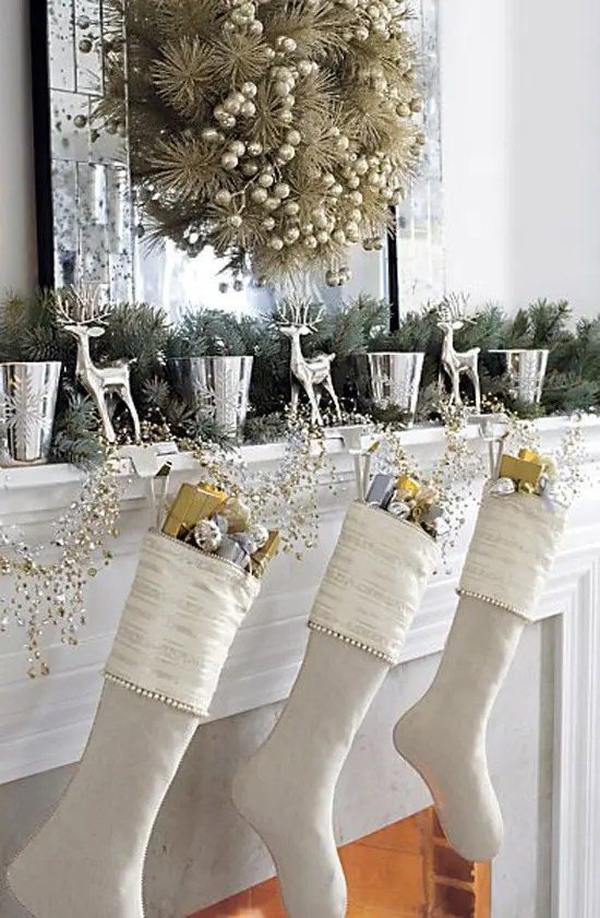 44 Refined Gold And White Christmas Decor Ideas Digsdigs