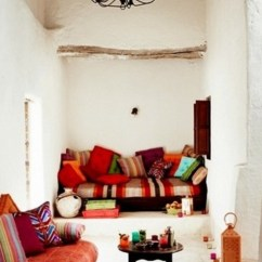 Moroccan Style Living Room Decor Mirrored Furniture 51 Relaxing Rooms Digsdigs A White With Plaster Walls Colorful And Printed Textiles Pillows Traditional