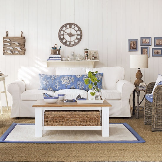 beach inspired living rooms room decorating with brown leather furniture 37 sea and digsdigs