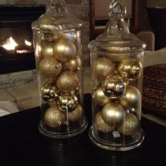 Black And Red Living Room Decorating Ideas Wooden 31 Sparkling Gold Christmas Décor - Digsdigs