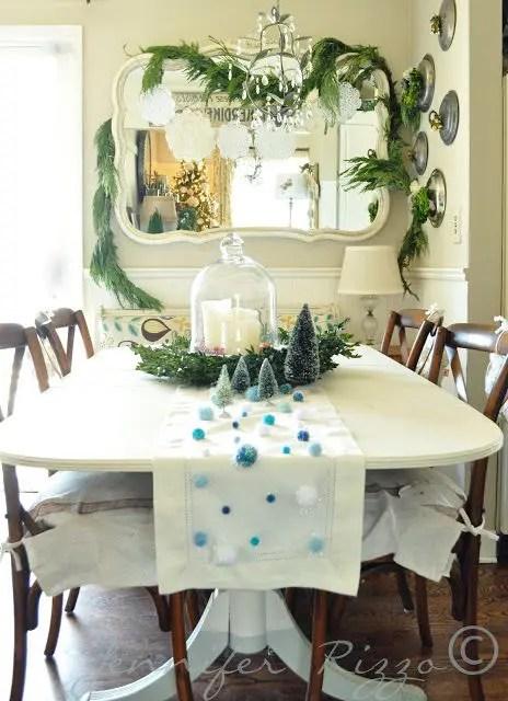 37 Stunning Christmas Dining Room Dcor Ideas DigsDigs