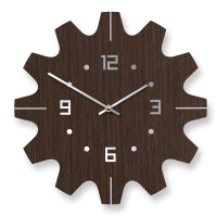 Stylish Wooden Wall Clocks With Modern Design | DigsDigs