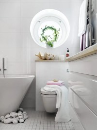 small bathrooms decor 2017 - Grasscloth Wallpaper
