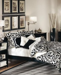 19 Traditional Black And White Bedroom That Inspire - DigsDigs