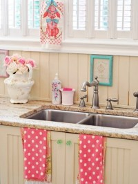 Cool Vintage Candy-Like Kitchen Design With Retro Details ...