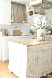 28 Vintage Wooden Kitchen Island Designs   DigsDigs