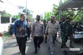 Alumni AKABRI 89 Bantu Penghuni Rumah Reyot dan Anak Cacat di Tamansari Bogor