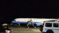Menabrak Burung, Pesawat Wapres AS Mendarat Darurat