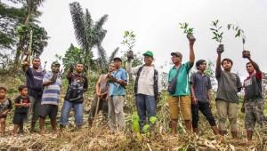 Antisipasi Bencana Alam, Warga Sibolangit Gotong Royong Tanam Bibit Pohon