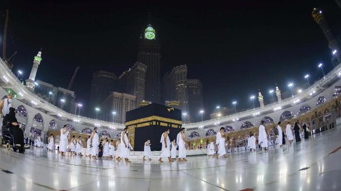 Arab Saudi Kembali Tutup Arab Saudi Buka Pintu Umrah untuk Jemaah Asing, 224 Jemaah Asal Indonesia Tiba di Jeddah