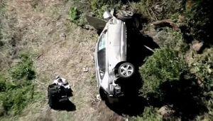 Tiger Woods Kecelakaan! Mobil Terguling Masuk Jurang