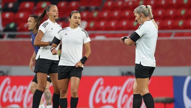 Tiga Wanita Cantik Ini Jadi Hakim di Piala Dunia Antarklub 2020