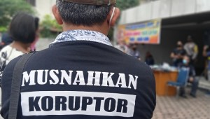 Puluhan Nasabah Geruduk Kantor AJB Bumiputera di Medan