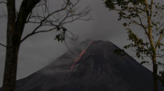 Gunung Merapi Kembali Semburkan 2 Kali Awan Panas dan 17 Kali Lava Pijar
