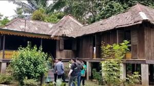 Rumah Adat Melayu Langkat