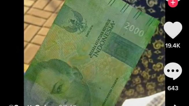 Tipu Pedagang, Uang Rp 2.000 Dicat Hijau Mirip Pecahan Rp 20 Ribuan