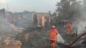 5 Rumah Ludes Terbakar