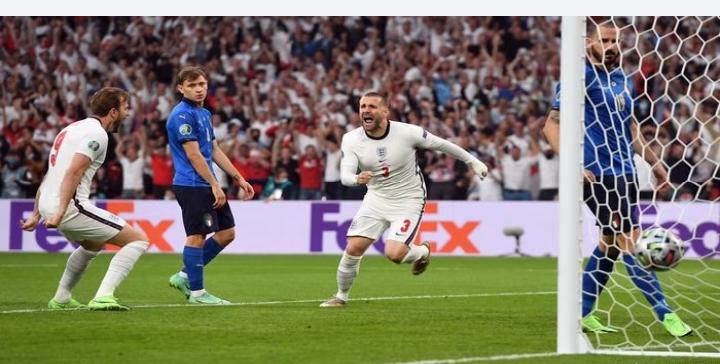 Babak pertama Italia vs Inggris