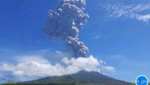 Gunung Ile Lewotolok Erupsi, Lima Desa di Lembata Dilanda Hujan Debu