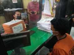 Gak Ada Akhlak! Dua Pria Curi Kotak Infak di Masjid Buat Main Game di Warnet