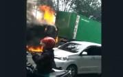 video detik-detik truk terbakar
