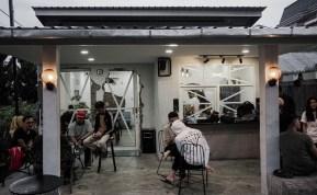 Akhirnya Coffe, Kafe Industrial yang Tawarkan Makanan Khas Sibolga