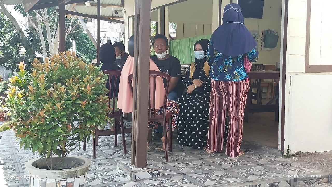 Berharap Dana Bantuan Covid-19, Belasan IRT di Padangsidimpuan Kirim Foto Syur Lewat Facebook
