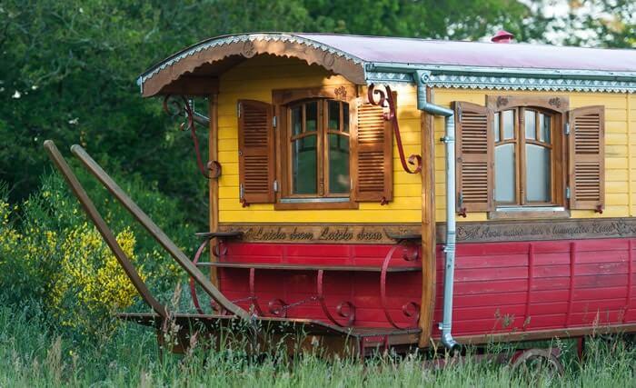 Roulotte Bretagne  Dormir dans une roulotte Tzigane ou Gitane en Bretagne