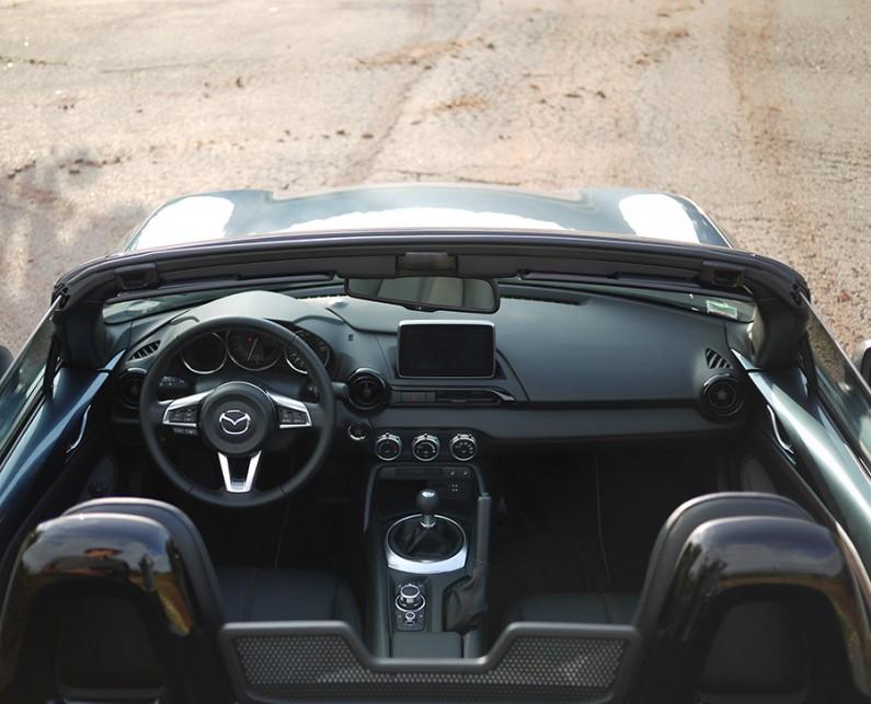 Mazda-MX5-2015-11