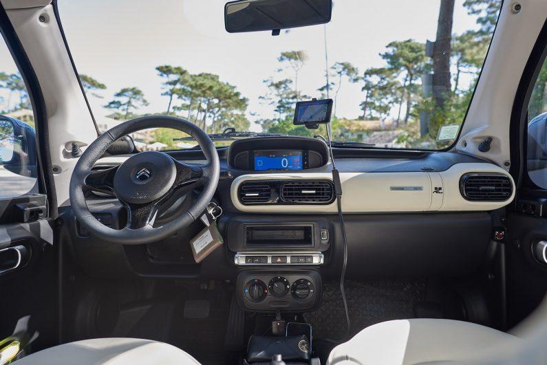 Citroën eMehari styled by Courrèges test essai intérieur