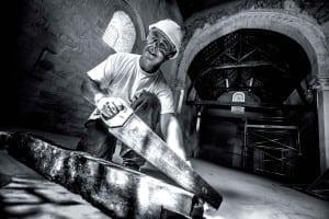 Saïd Mordjani, comme charpentier, aura oeuvré avec acharnement pour conserver le toit de la chapelle © Clement Bonvalot